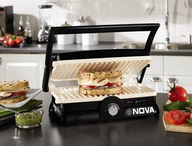 Browse through our broad range of Grilled Sandwich Makers online