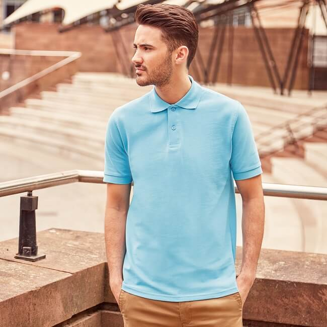 10 Types of T-shirts Men Should Own - LooksGud in