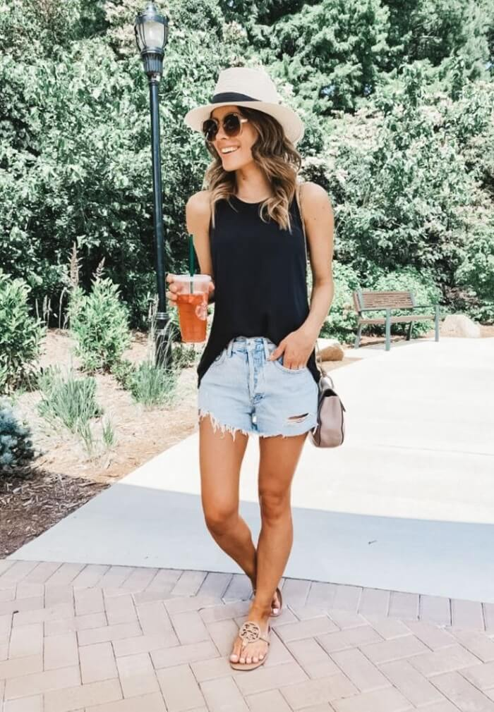 Denim shorts Outfits For Ladies