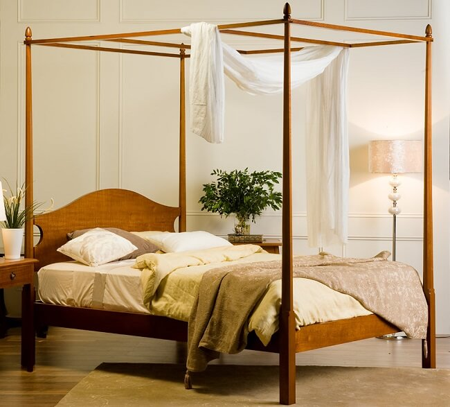 Modern Pencil Post bed