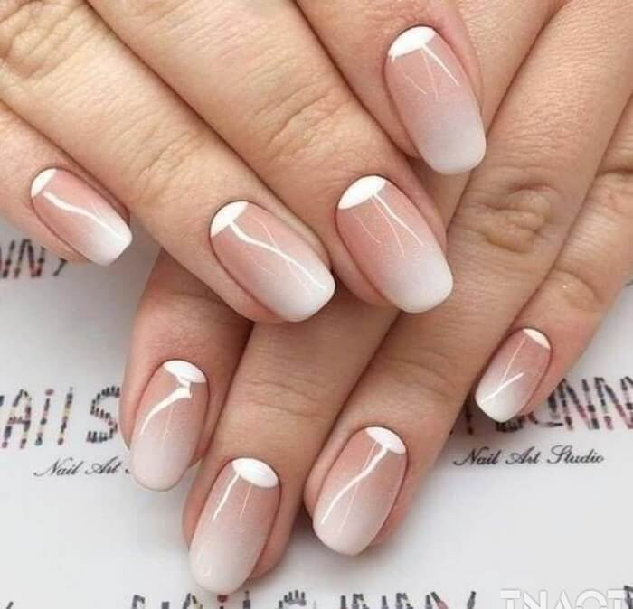 Reverse French manicure 2021