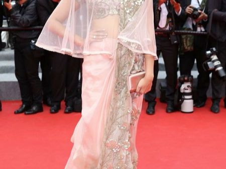 10 Western Saree draping style to Steal from Sonam Kapoor