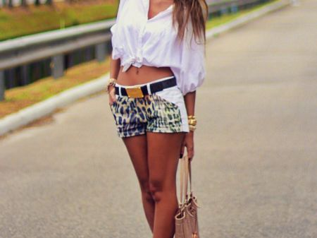 7 Cute Styles to wear your Boyfriend's Shirt Perfectly