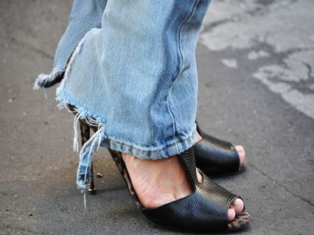 10 Things Happen When You're Addicted to Favourite pair of Jeans